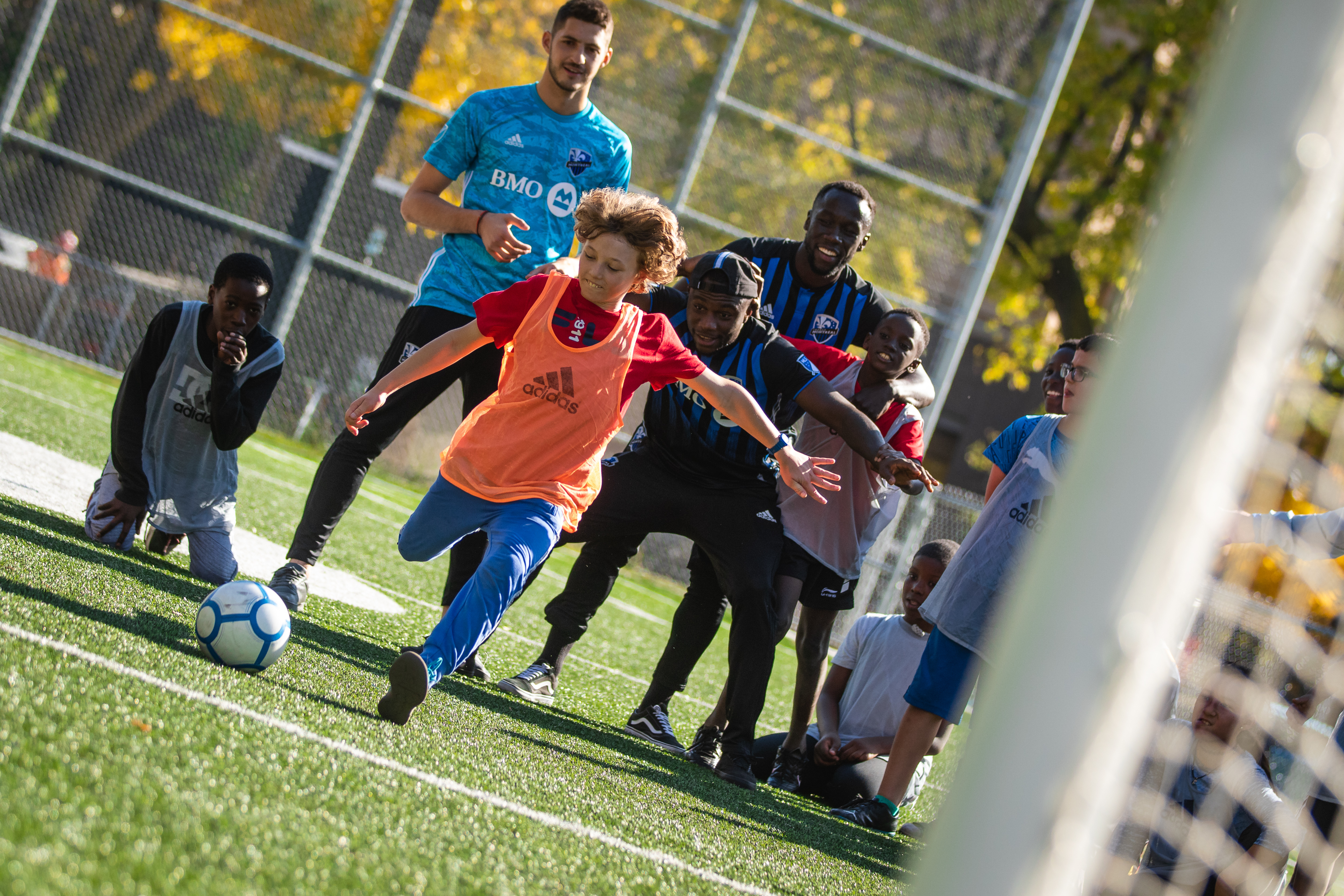 The Montreal Impact Foundation and BMO donate 1,000 soccer balls